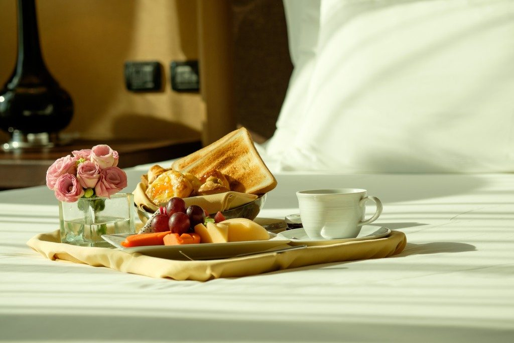 Hotel service: Breakfast In Bed