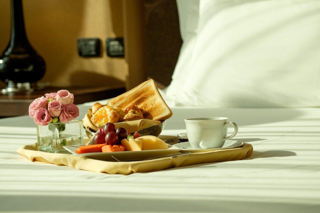 Hotel service: Breakfast In Bed