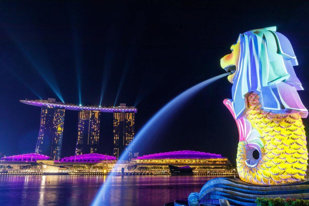 merlion statue at singapore
